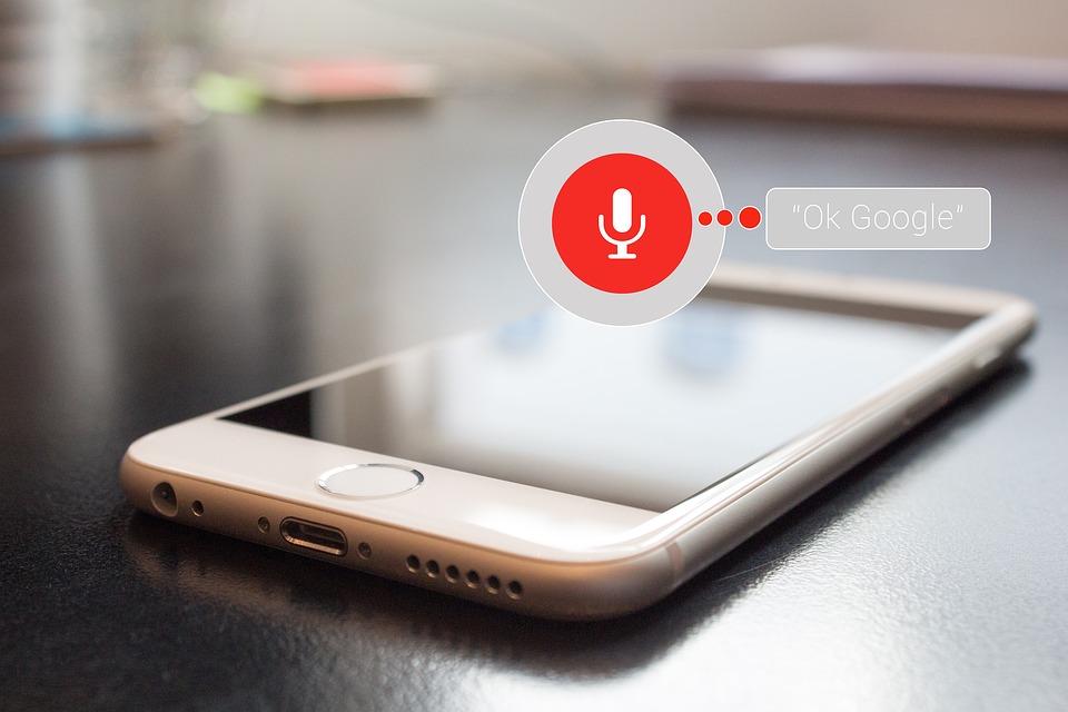 Recherche vocale, le système informatique qui révolutionne le B2B