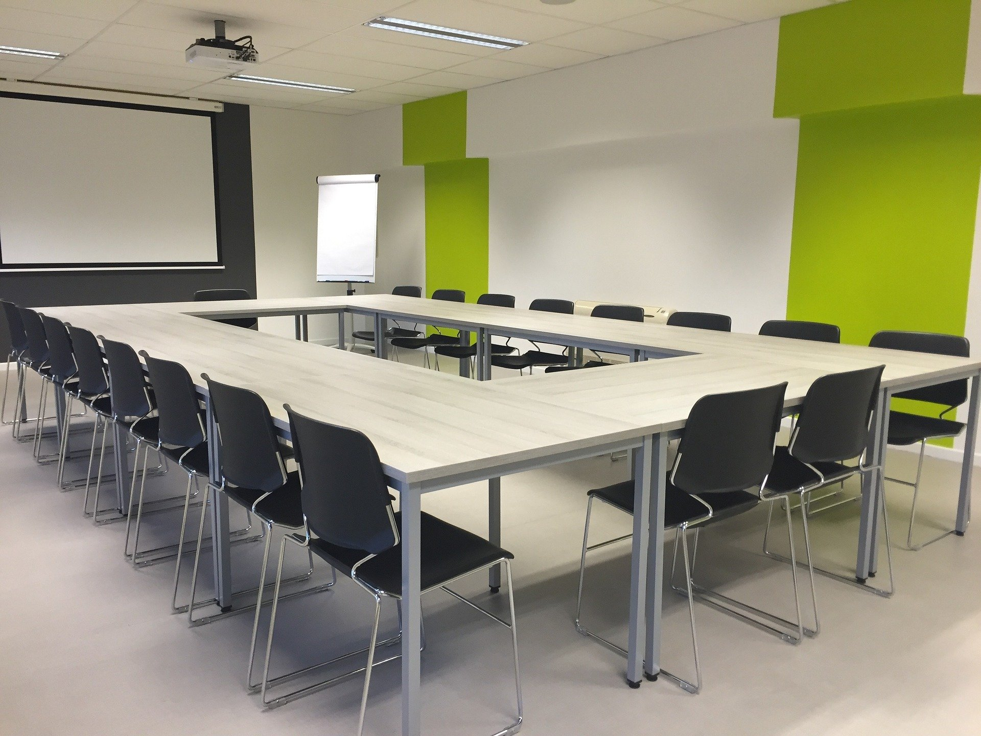 Comment choisir une table de réunion ?