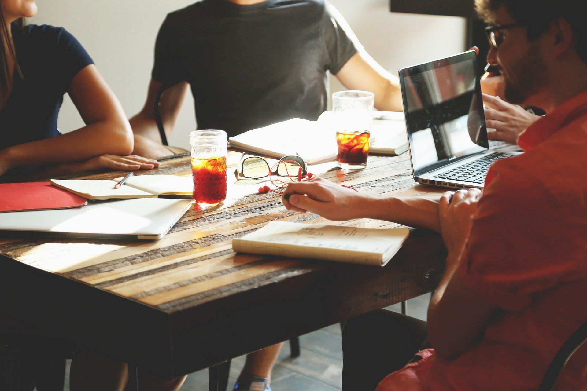 Conseils pour réussir l'organisation d'un événement d'entreprise à Clermont-Ferrand